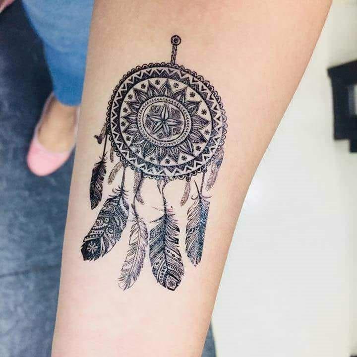 Ce tatouage offre une excellente occasion de montrer votre créativité et de mettre votre propre touche.