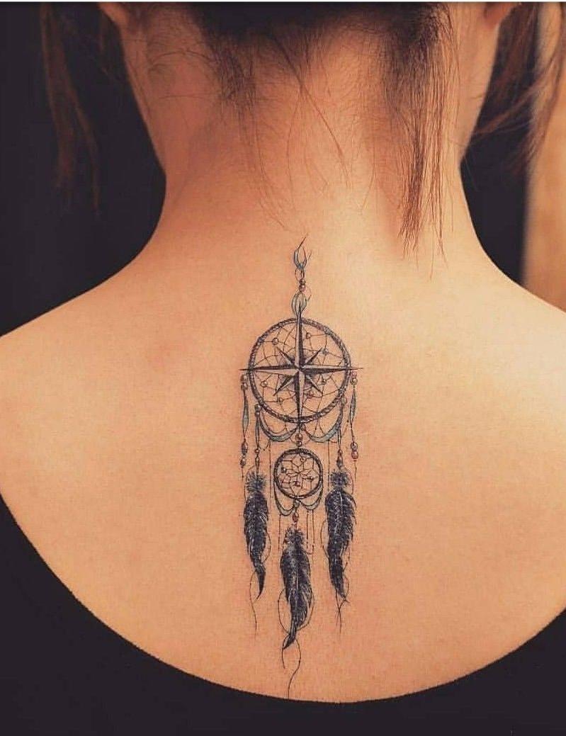 La plupart des gens se font tatouer en ligne droite, mais vous pouvez obtenir absolument le motif de votre choix et le placer où vous le souhaitez.