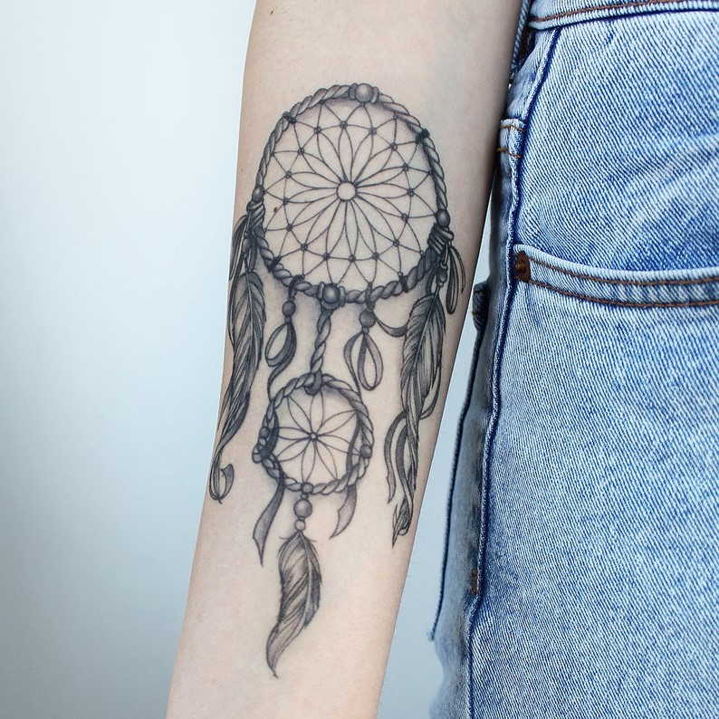 En réalité, la place du tatouage lui confère parfois une signification légèrement différente.