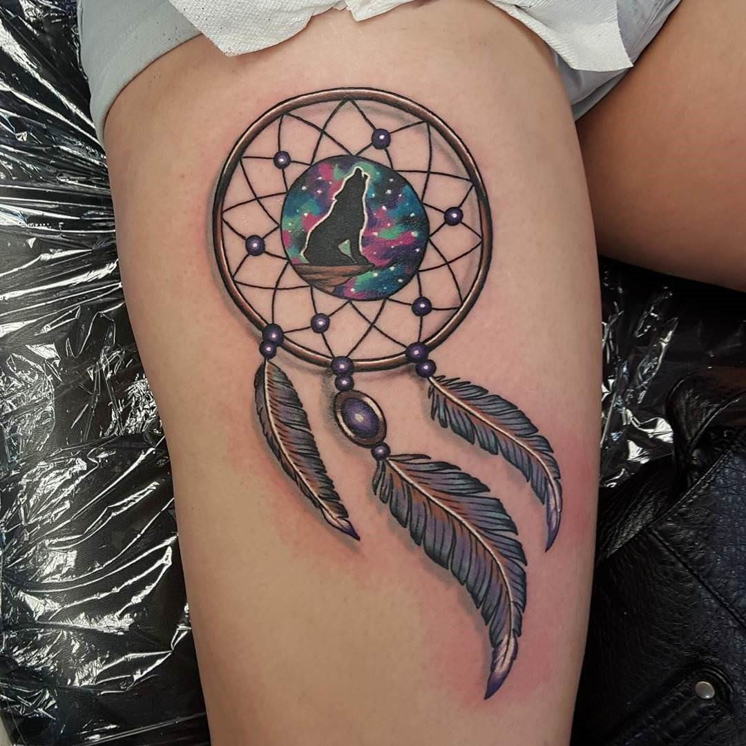 Ce sont les choses que vous devriez aller bien avant d'aller au studio de tatouage.