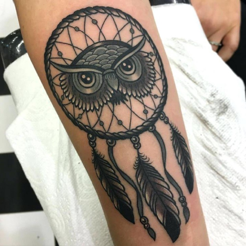 Il est recommandé de faire beaucoup de recherches et d'obtenir une compréhension générale de ce que représente le symbole du tatouage.