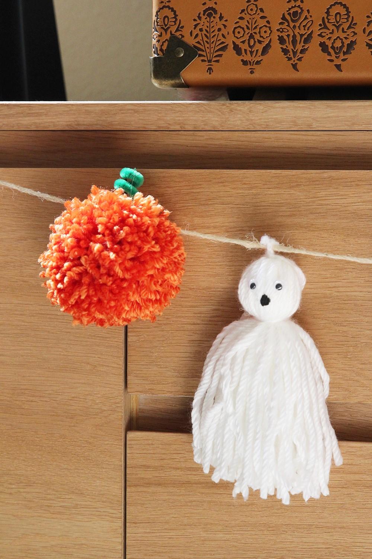 Ajoutez des citrouilles, des chauves-souris ou tout autre personnage d'Halloween.
