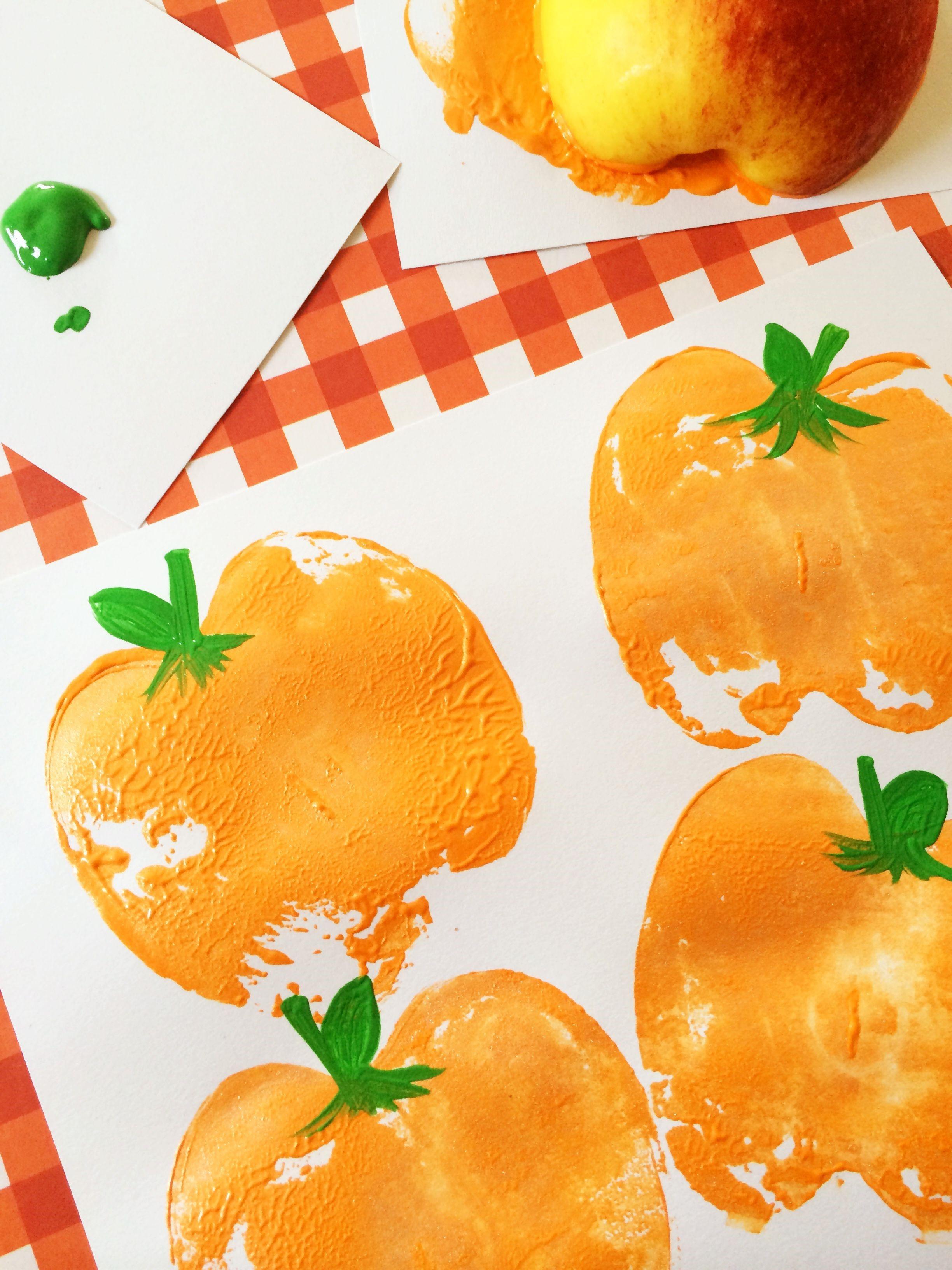 Bricolage d'Halloween pour les enfants de la maternelle: tampons de citrouille.