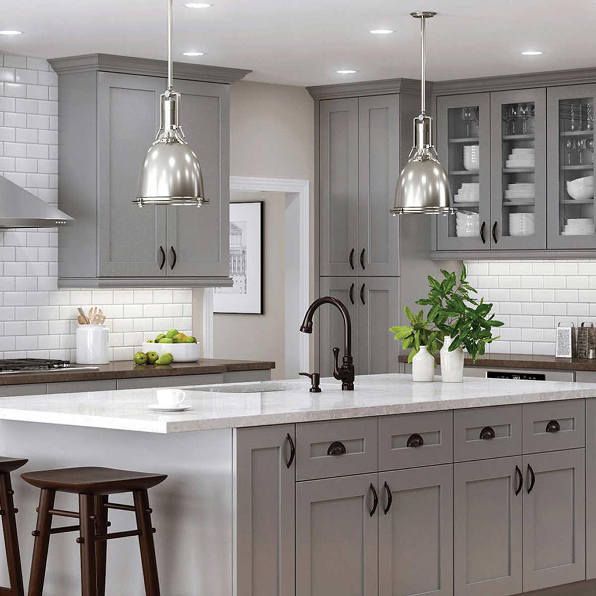 En outre, vos meubles et vos vêtements risquent plus facilement de se salir et d'absorber les odeurs de cuisine.