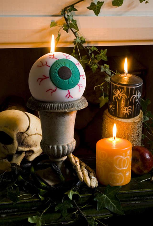 Des bougies personnalisées à fabriquer soi-même pour l'Halloween