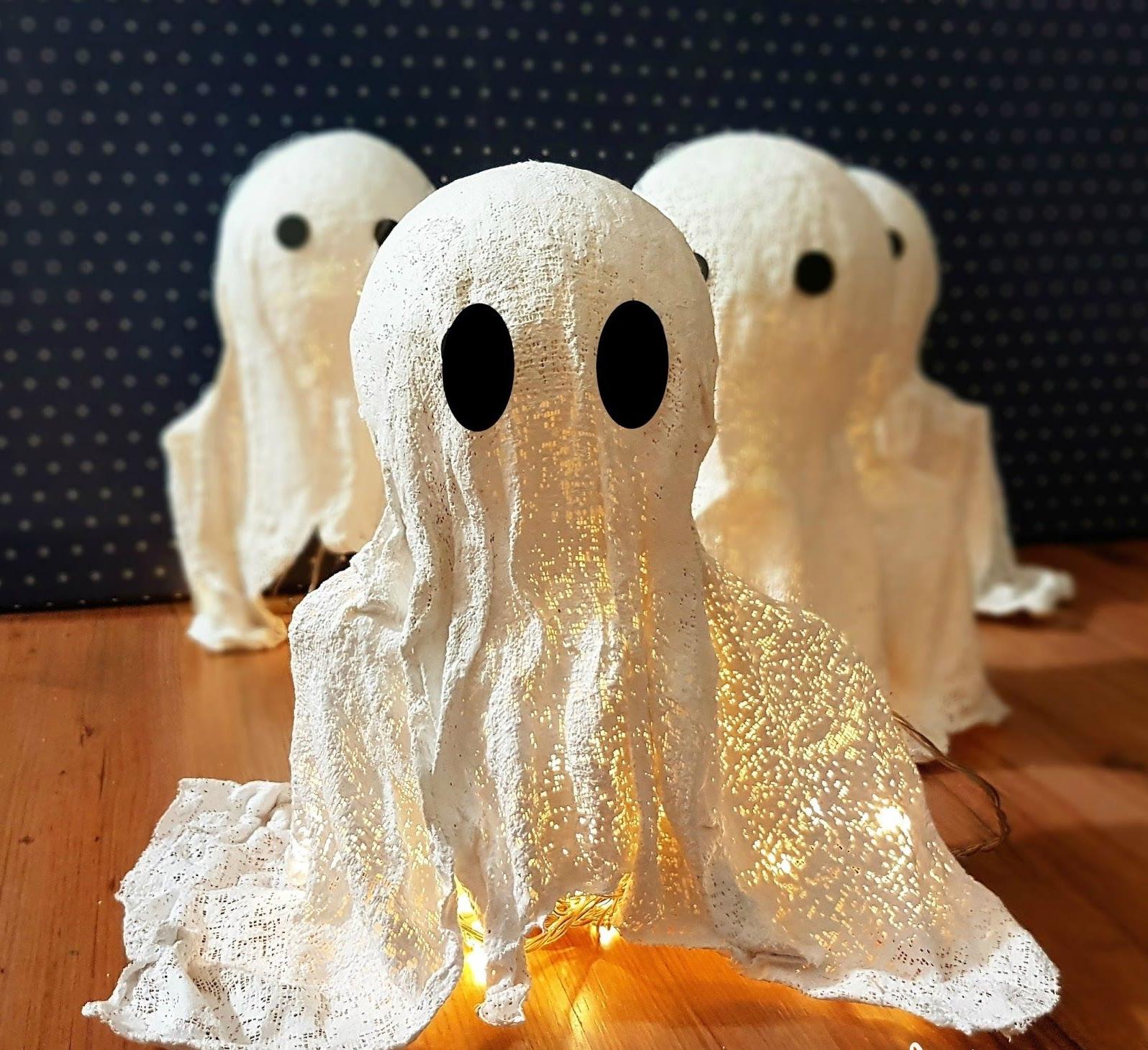 Un fantôme flottant - décoration à faire soi-même pour l'Halloween, idées et astuces