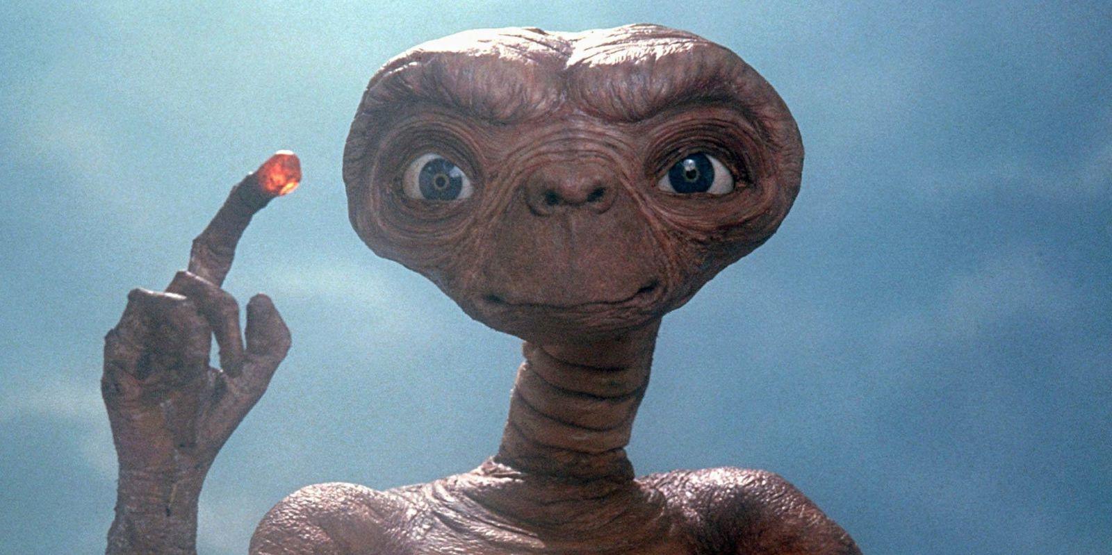 E.T., l'extra-terrestre.