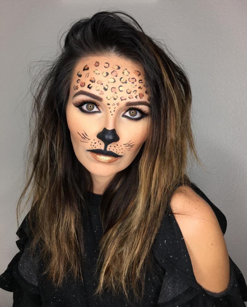 Un autre personnage populaire de maquillage d'Halloween pour les femmes est le chat.