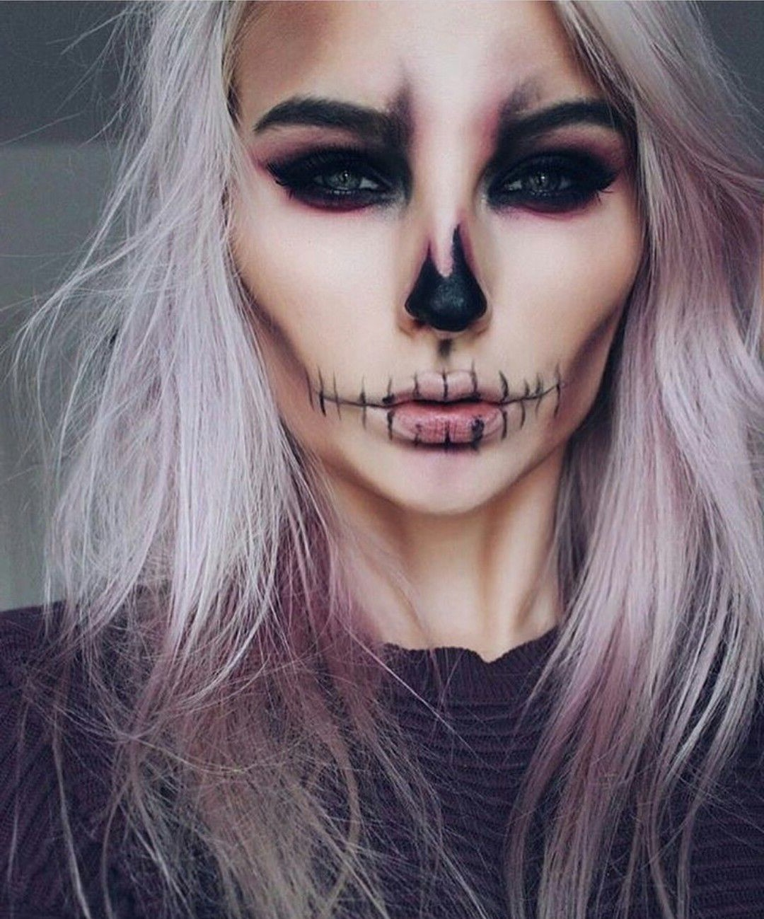 C'est la veille de la fête d'Halloween que votre ami vous a invitées il ya quelques semaines, mais vous n'avez pas de costume?