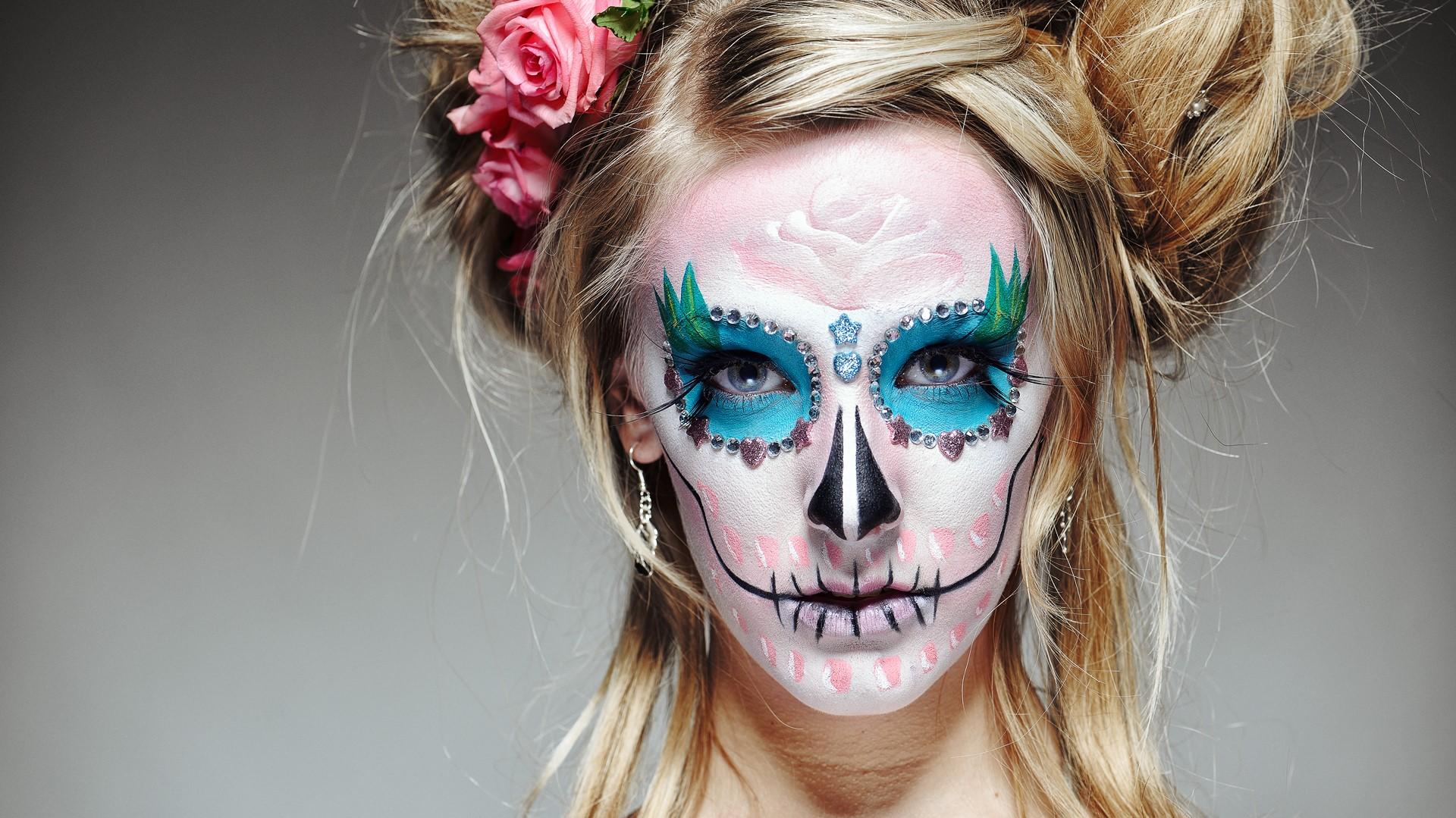 L'artiste voulait se moquer des Mexicains indigènes qui imitaient le style européen.