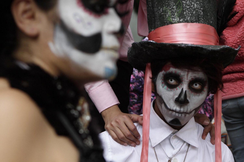 Avec cette commercialisation, elle est devenue la mascotte d'El Día De Los Muertos et symbolise l'approche adoucie des peuples mexicains pour apprécier la mort par le biais de l'art créatif.