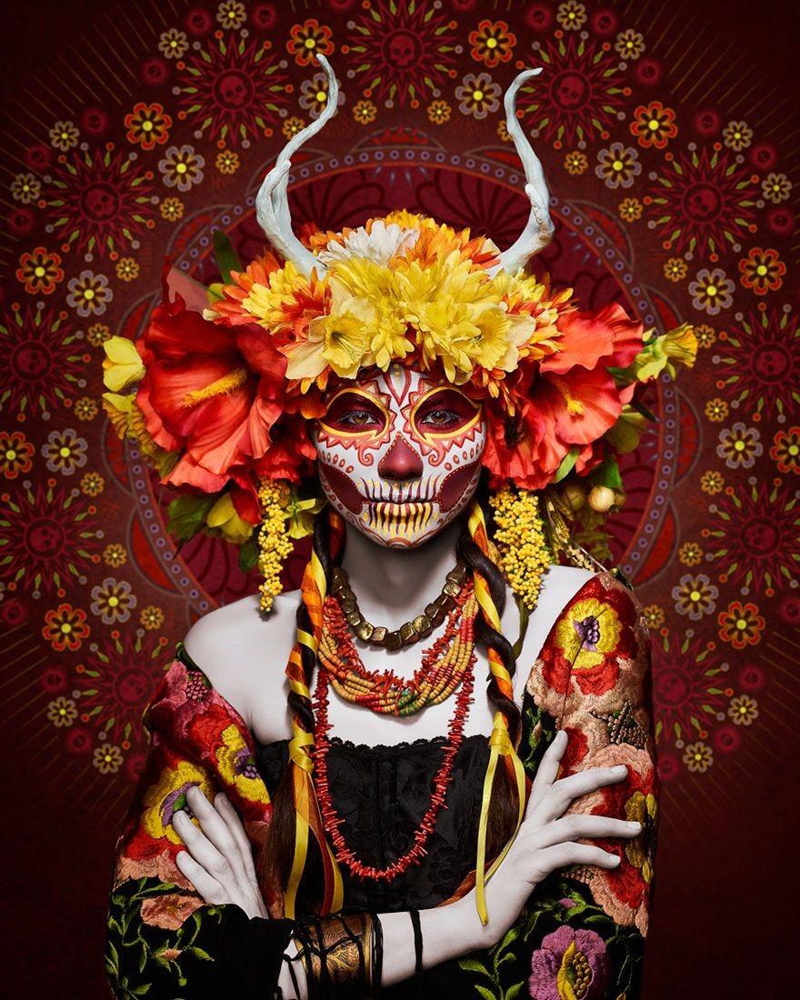 Pour les nombreux Mexicains qui célèbrent encore El Dia De Los Muertos dans sa forme traditionnelle, La Catrina représente le respect des êtres chers disparus.