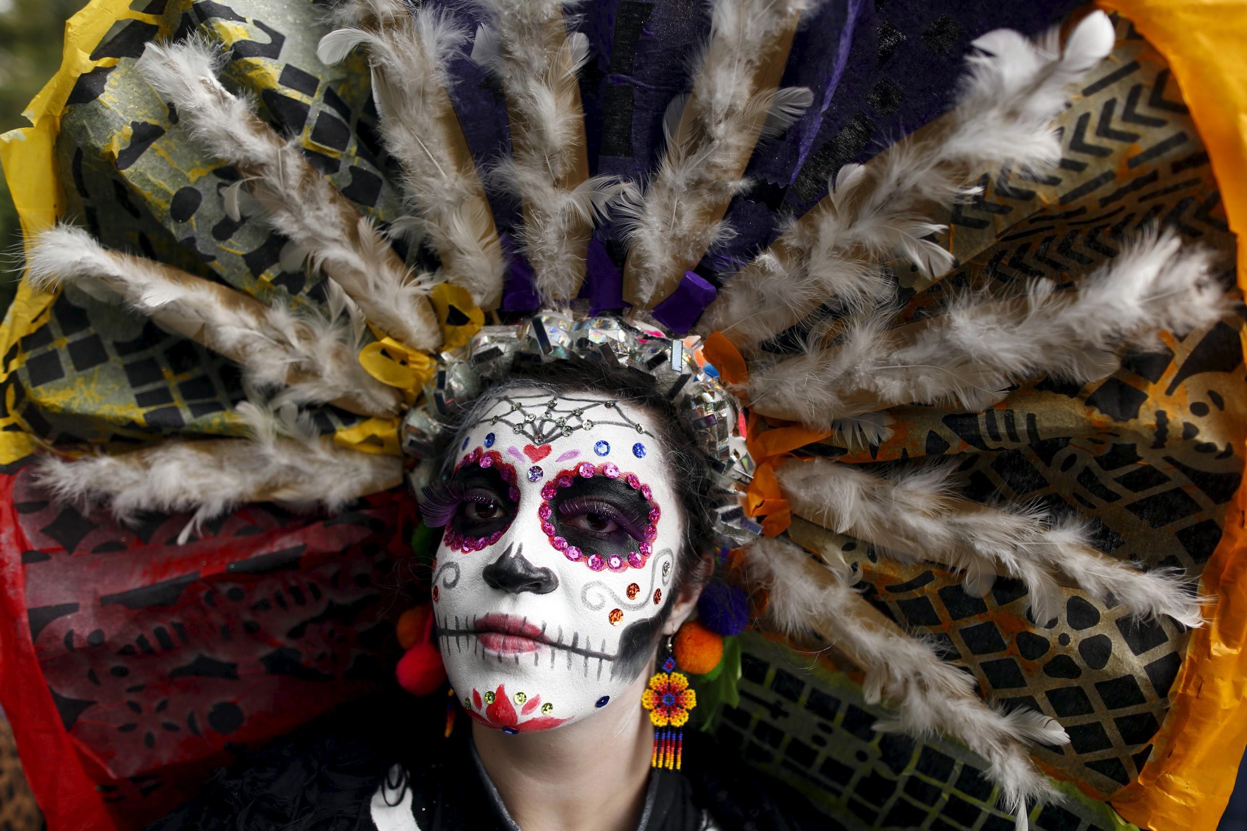 Même les plus petits peuvent avoir leur maquillage '' tête de mort '' mexicaine.