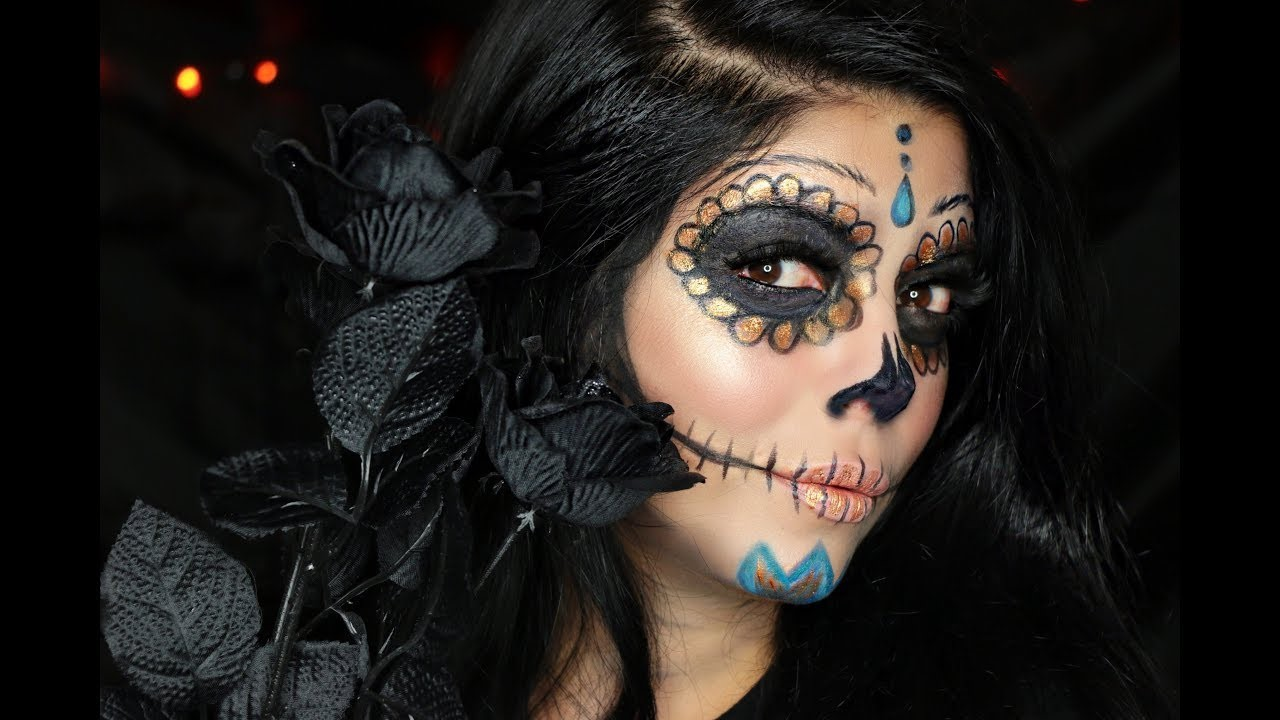 The first appearance of the Lady of Death in Mexico dates back to the Aztec goddess Mictecacihuatl - Queen of Hell.