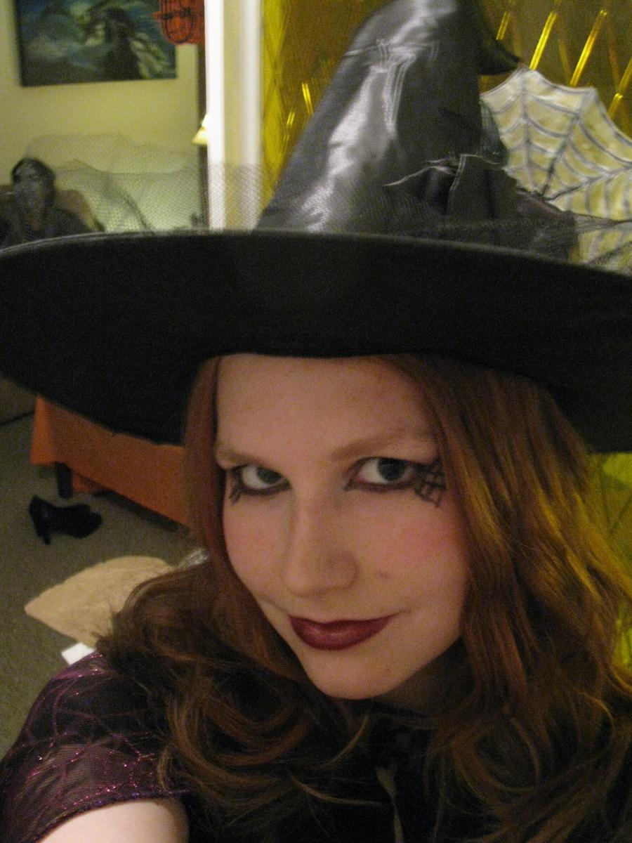 Portez votre chapeau et vos araignées et vous êtes une sorcière