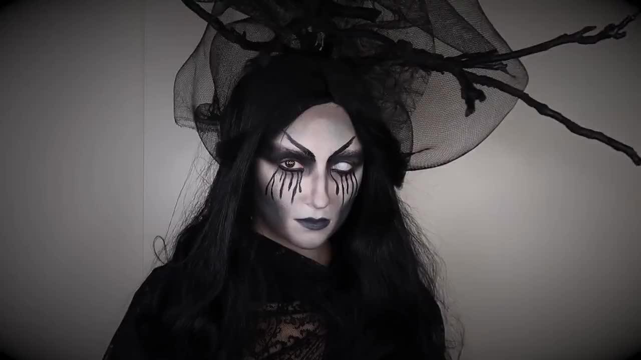 C'est la sorcière la plus effrayante que nous ayons jamais vue
