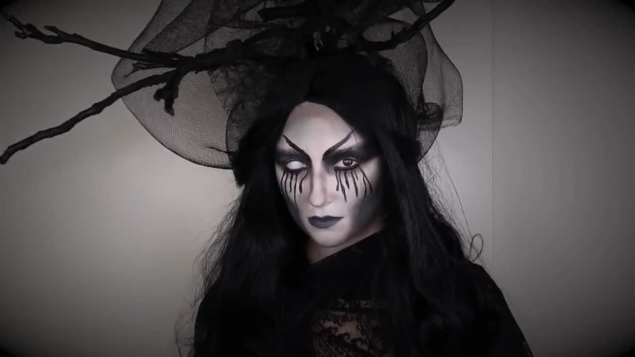 Vous pouvez créer un maquillage de sorcière d'Halloween avec d'autres méthodes.