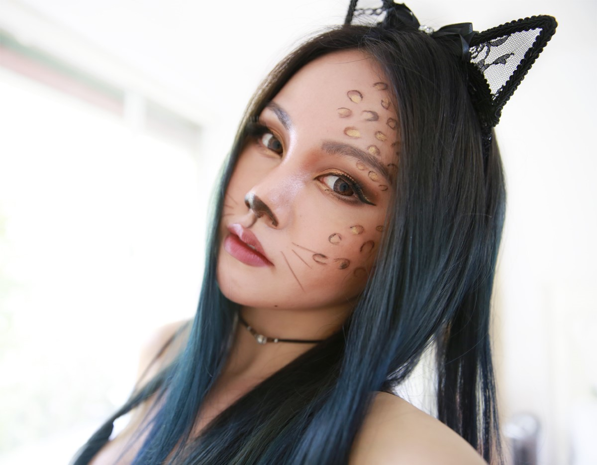 Maquillage léopard d'Halloween.