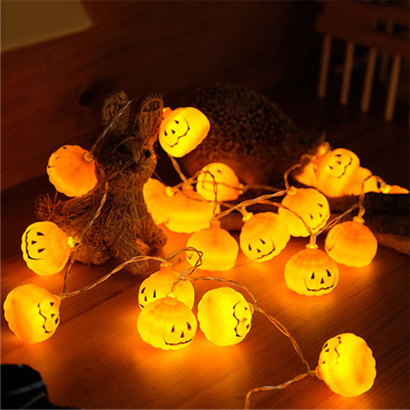Un éclairage fantasmagorique tellement dans l'esprit d'Halloween