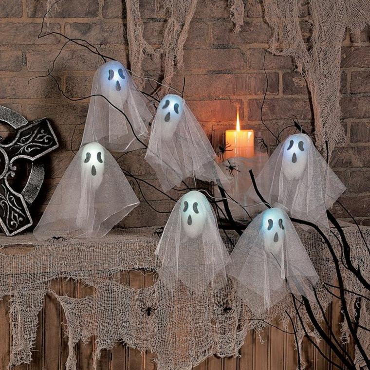 Des fantômes qui flottent dans les airs à fabriquer soi-même pour l'Halloween