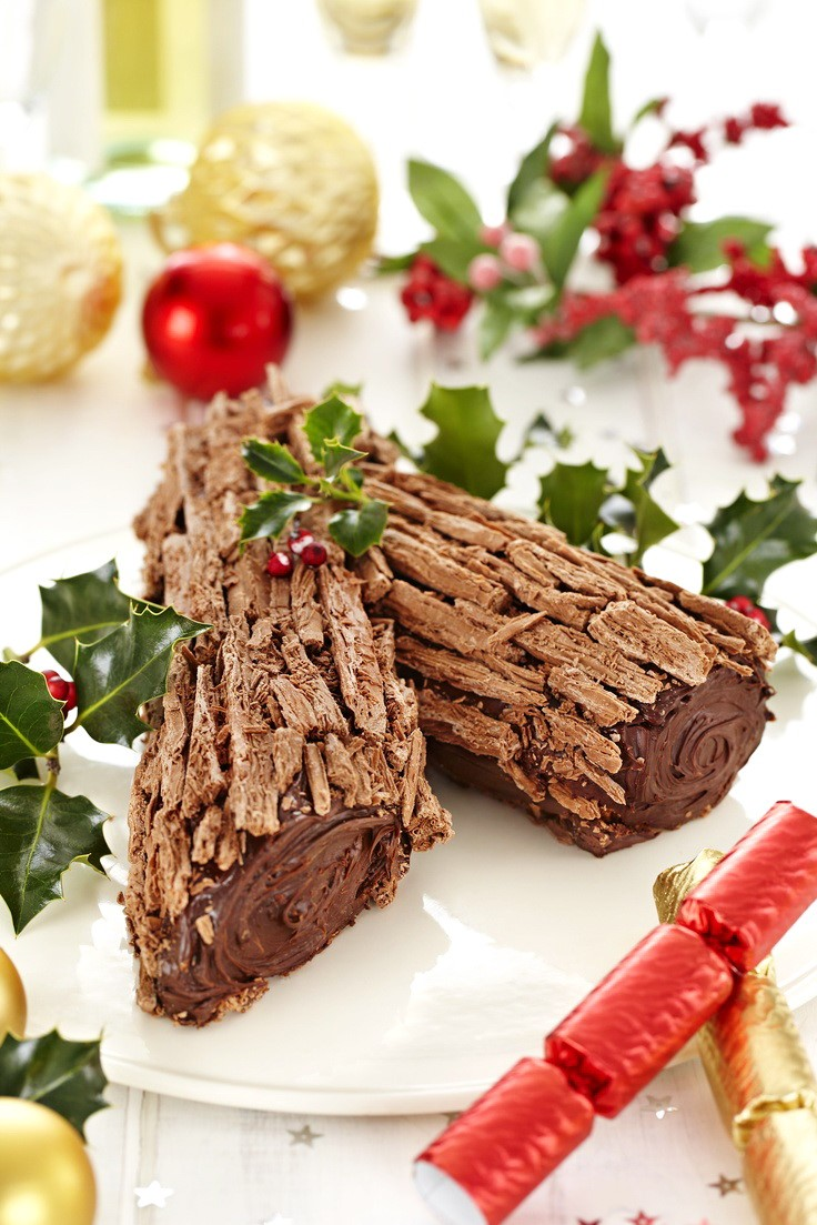 De nos jours, peu de gens préparent des bûches de Noël à la maison.