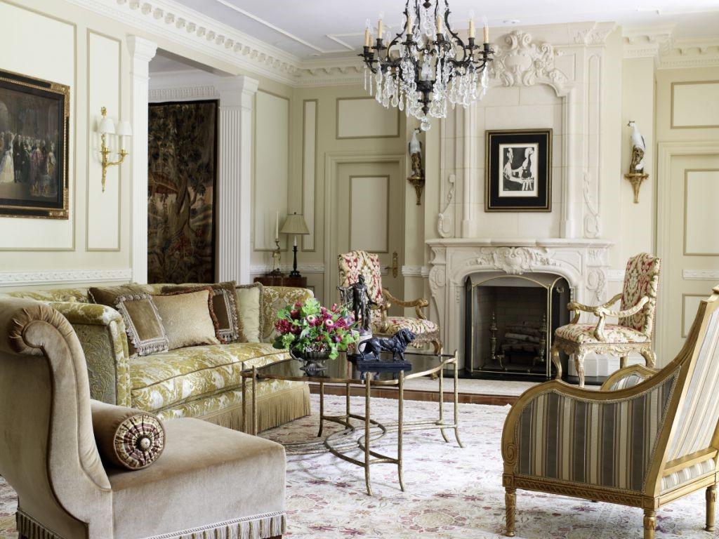 Il peut s'avérer difficile de reproduire des motifs audacieux s'associant à des tapis robustes et à des boiseries, afin de présenter un tableau historique.