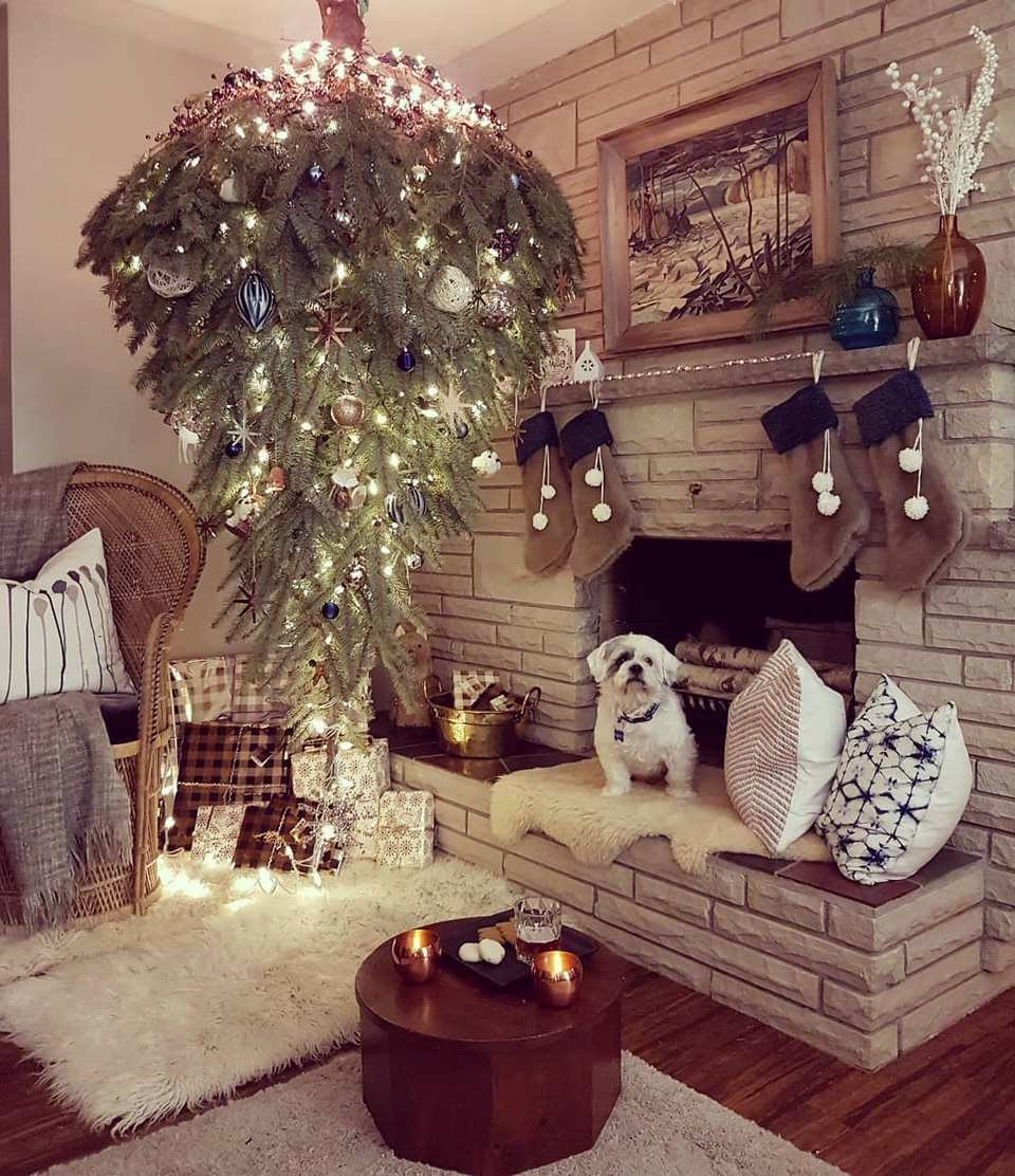 Un arbre de Noël à l'envers.