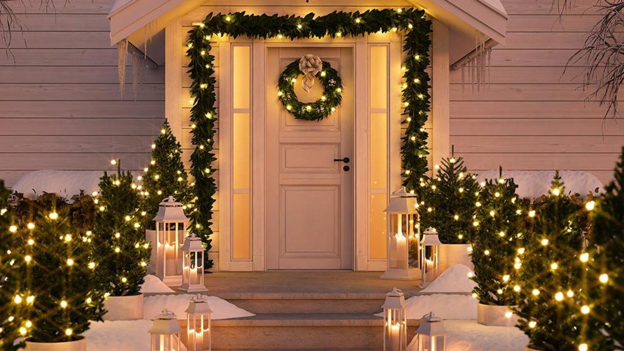 Idées de décoration de Noël avec guirlande lumineuse pour votre extérieur.