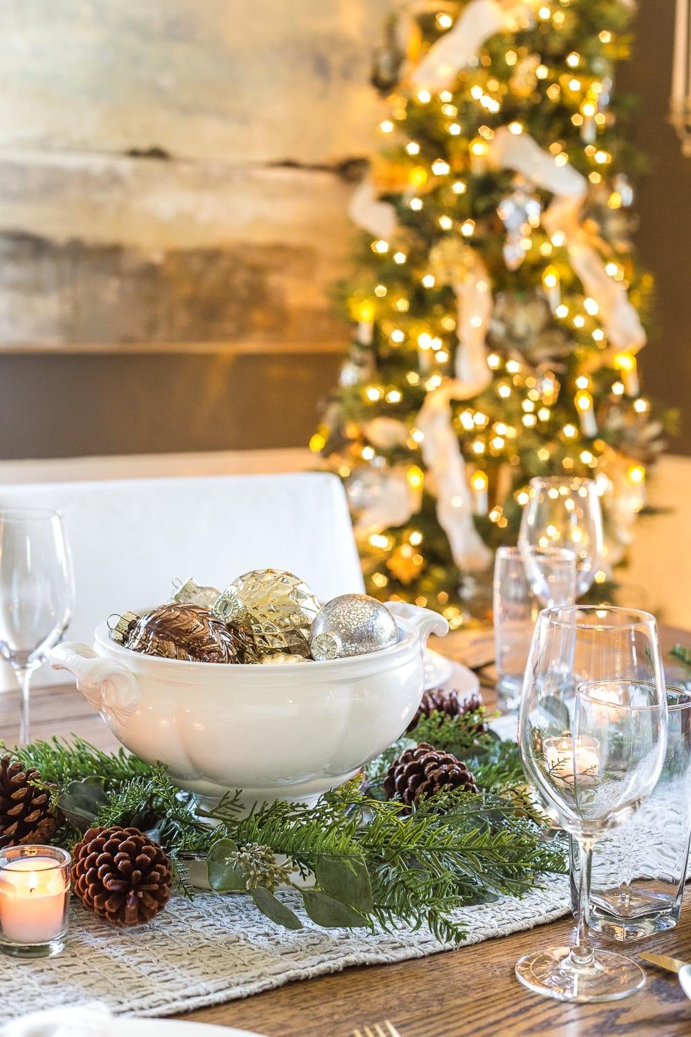 Idées de décoration de Noël pour votre table de fête.