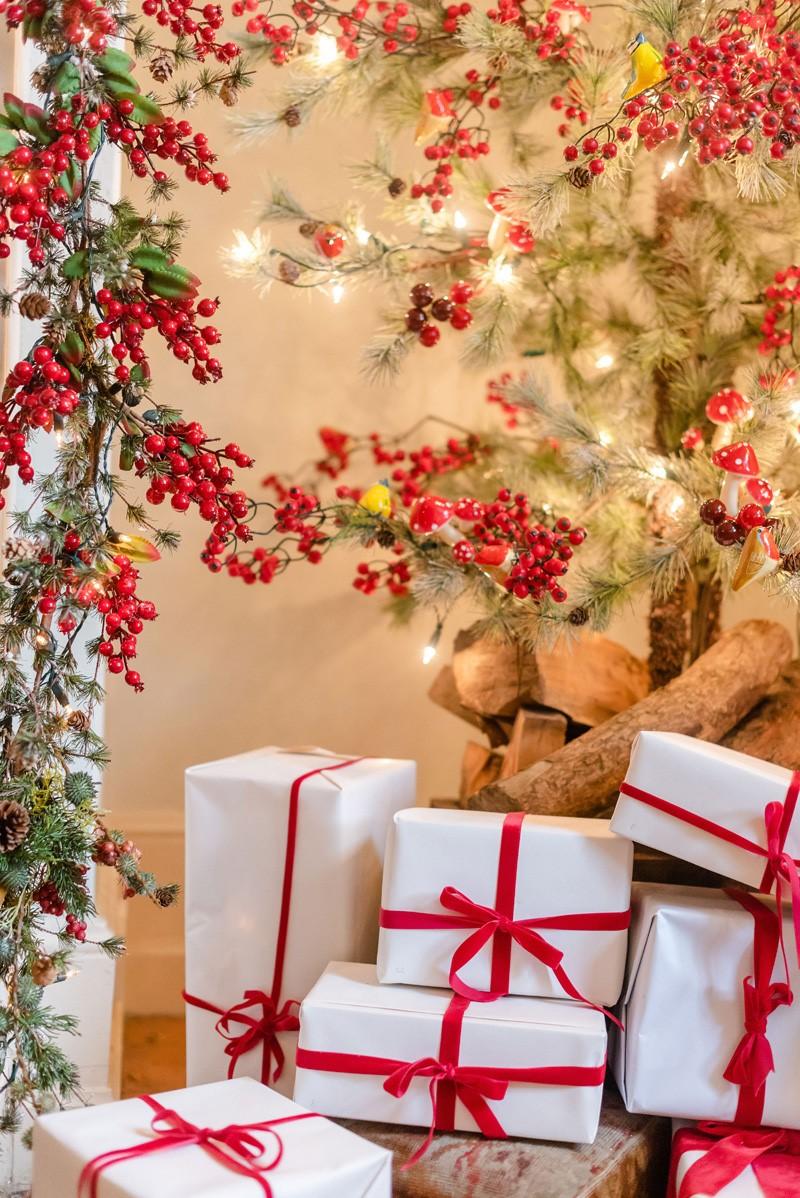 Idées de décoration de Noël avec des canneberges.