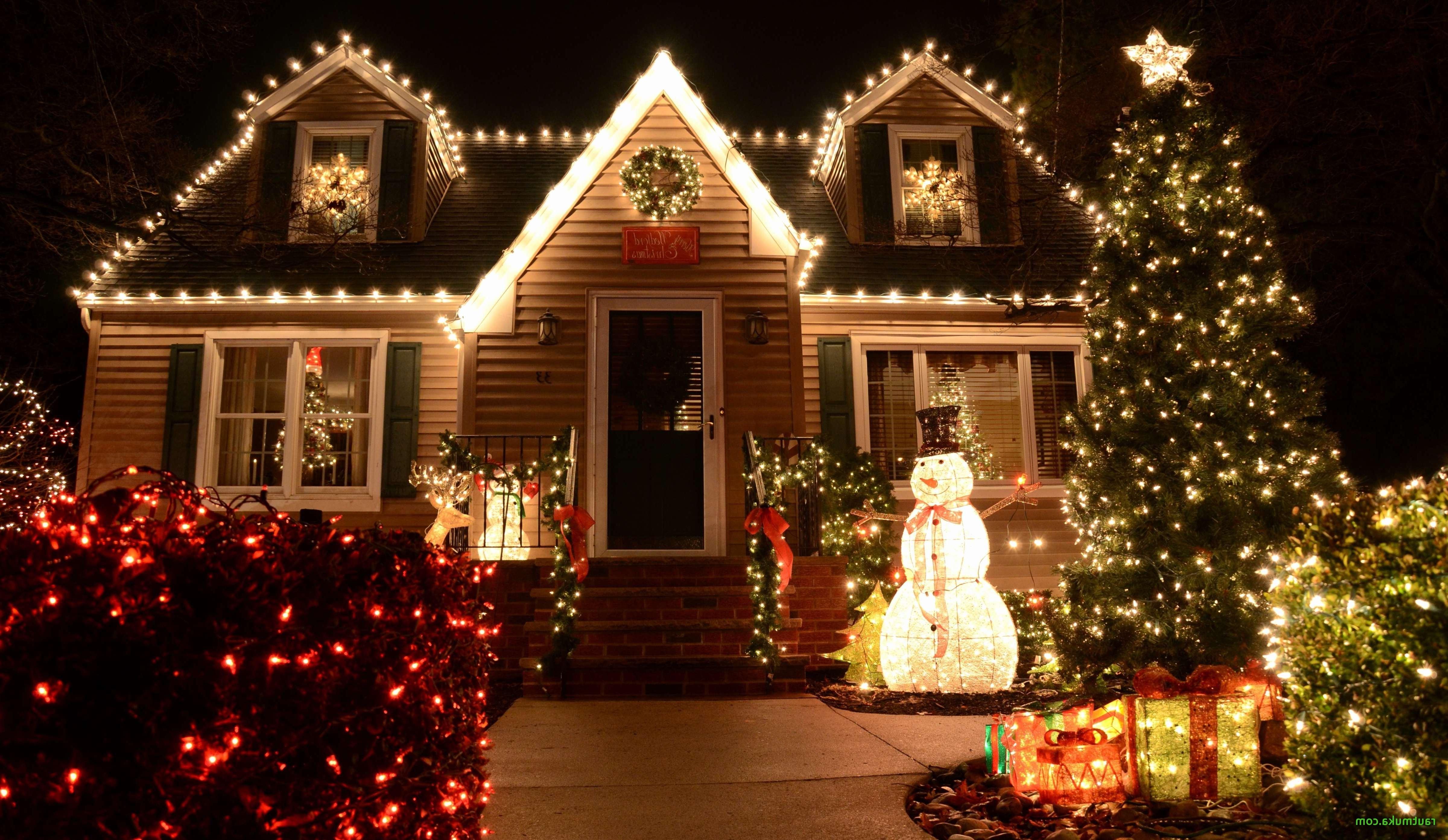 Déco festive: de nombreuses lumières pour l'extérieur de votre maison!