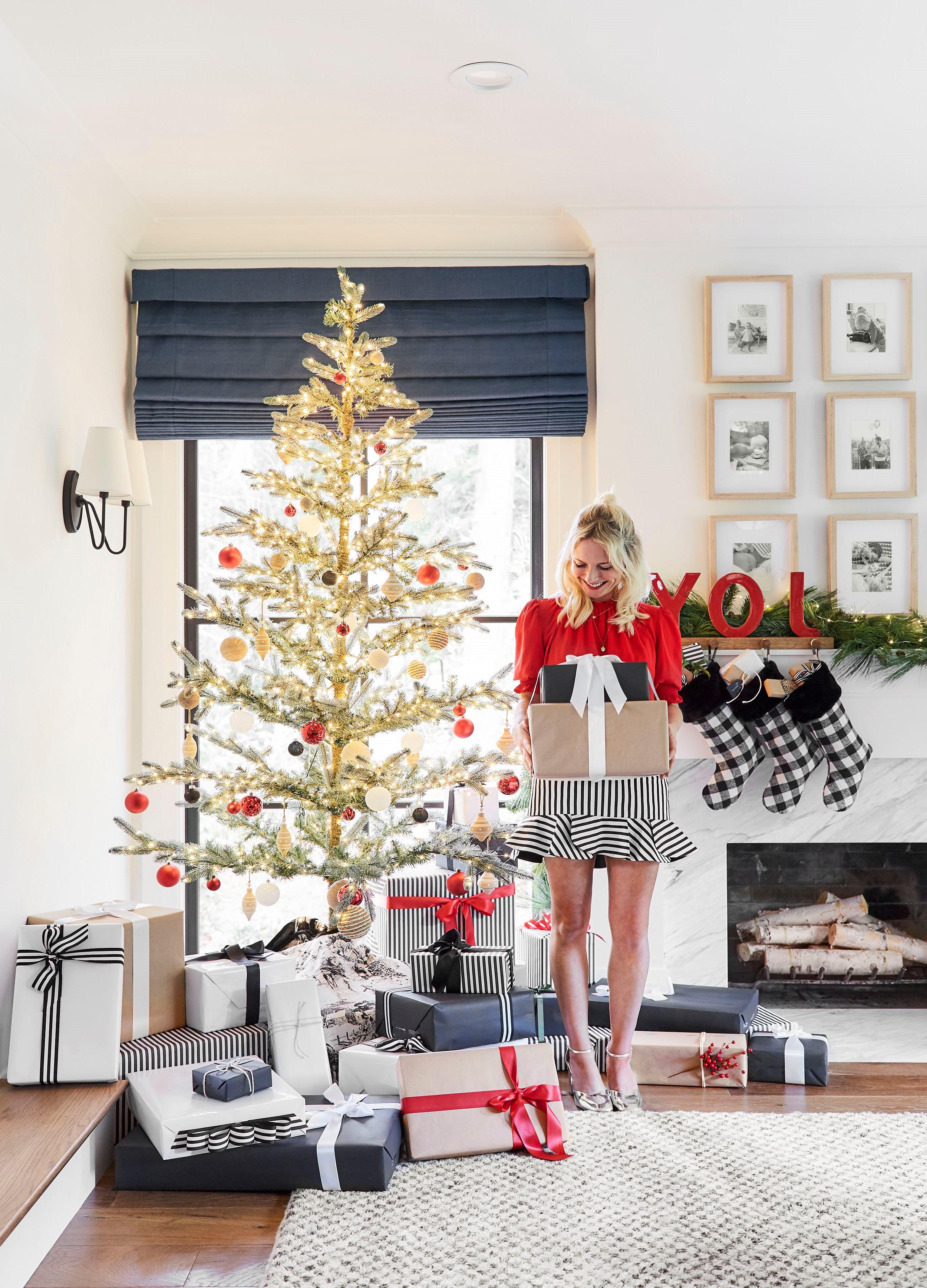 Idées de décoration de Noël: boîtes emballées.