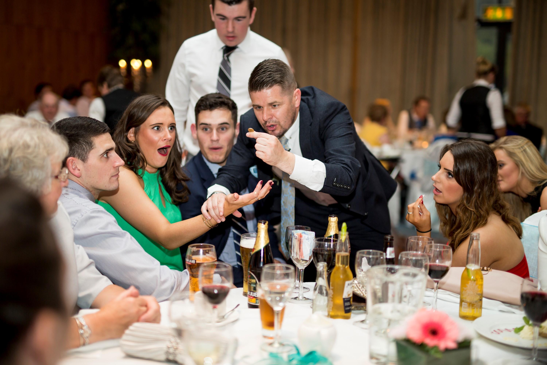 C'est une façon innovante et créative de divertir les invités à votre mariage!
