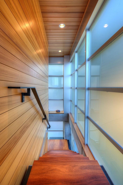 Changer l'apparence des murs autour des escaliers.