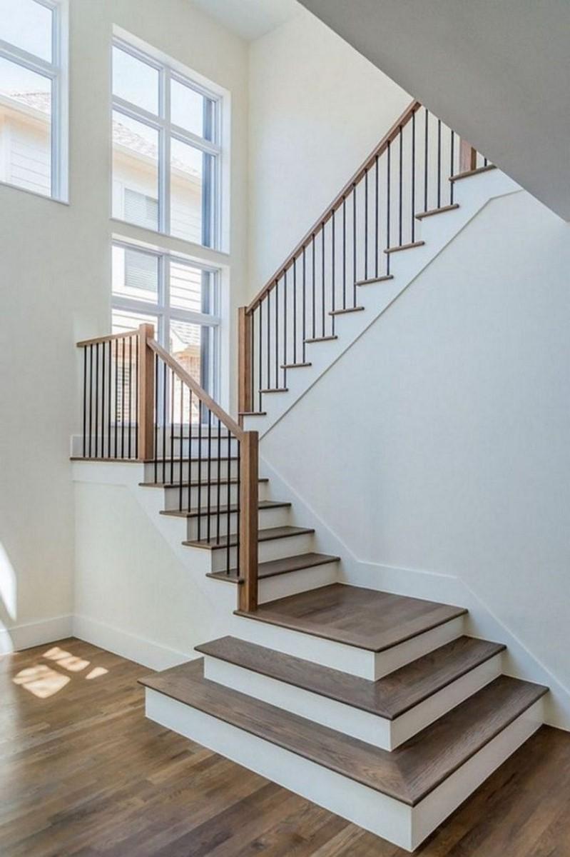 Qu'il s'agisse d'une simple balustrade ou d'une balustrade à panneaux, une nouvelle conception peut complètement transformer un escalier.