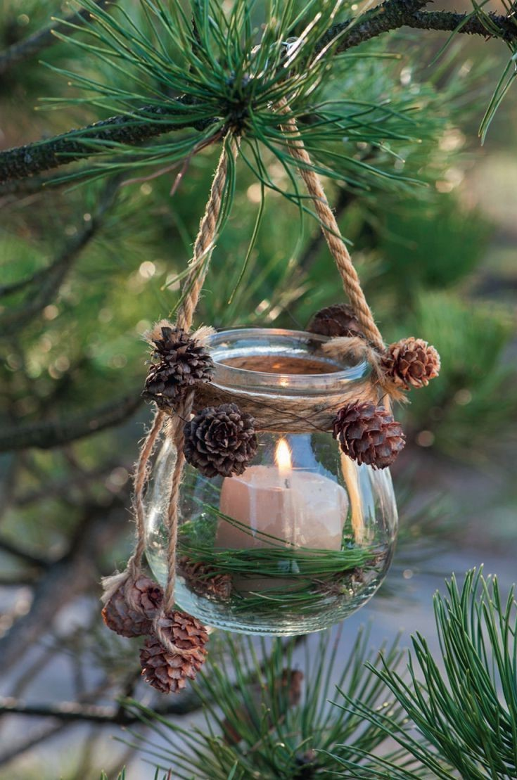 Au lieu d'utiliser des guirlandes lumineuses, décorez avec des bougies.