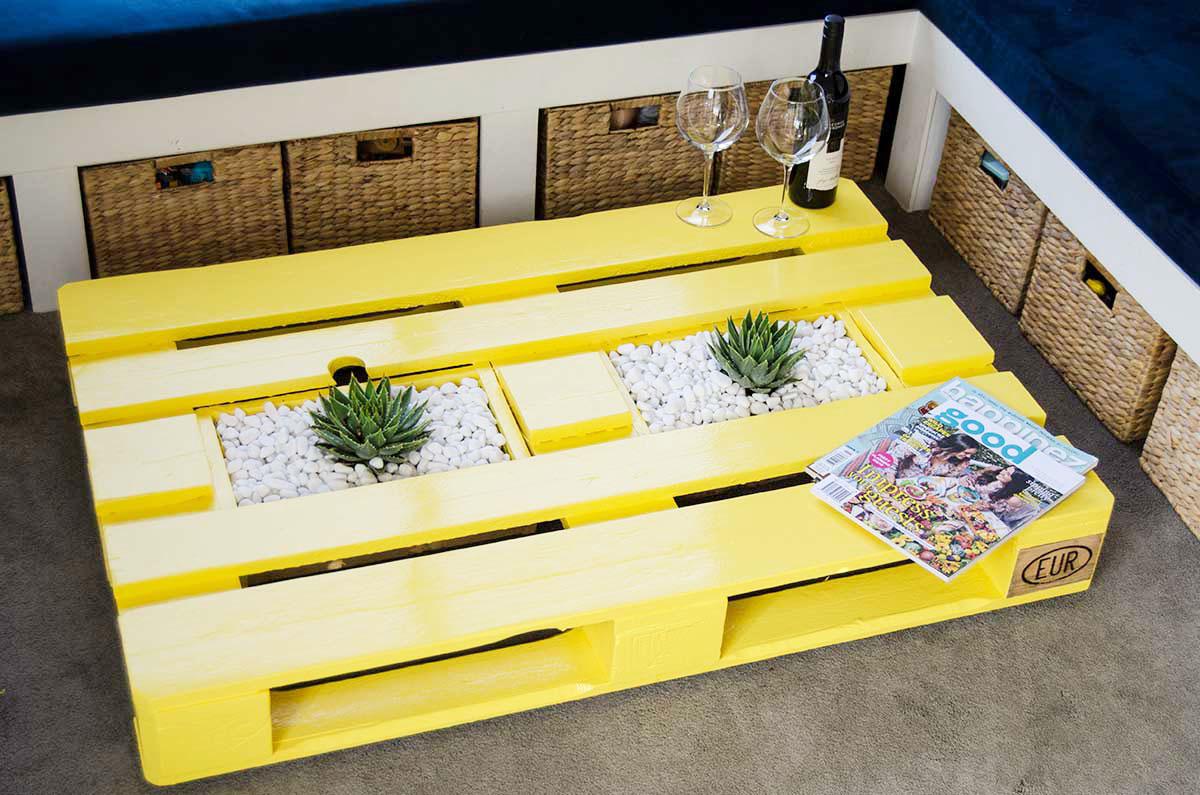 Vous pouvez peindre votre nouvelle table basse dans la couleur de votre choix!