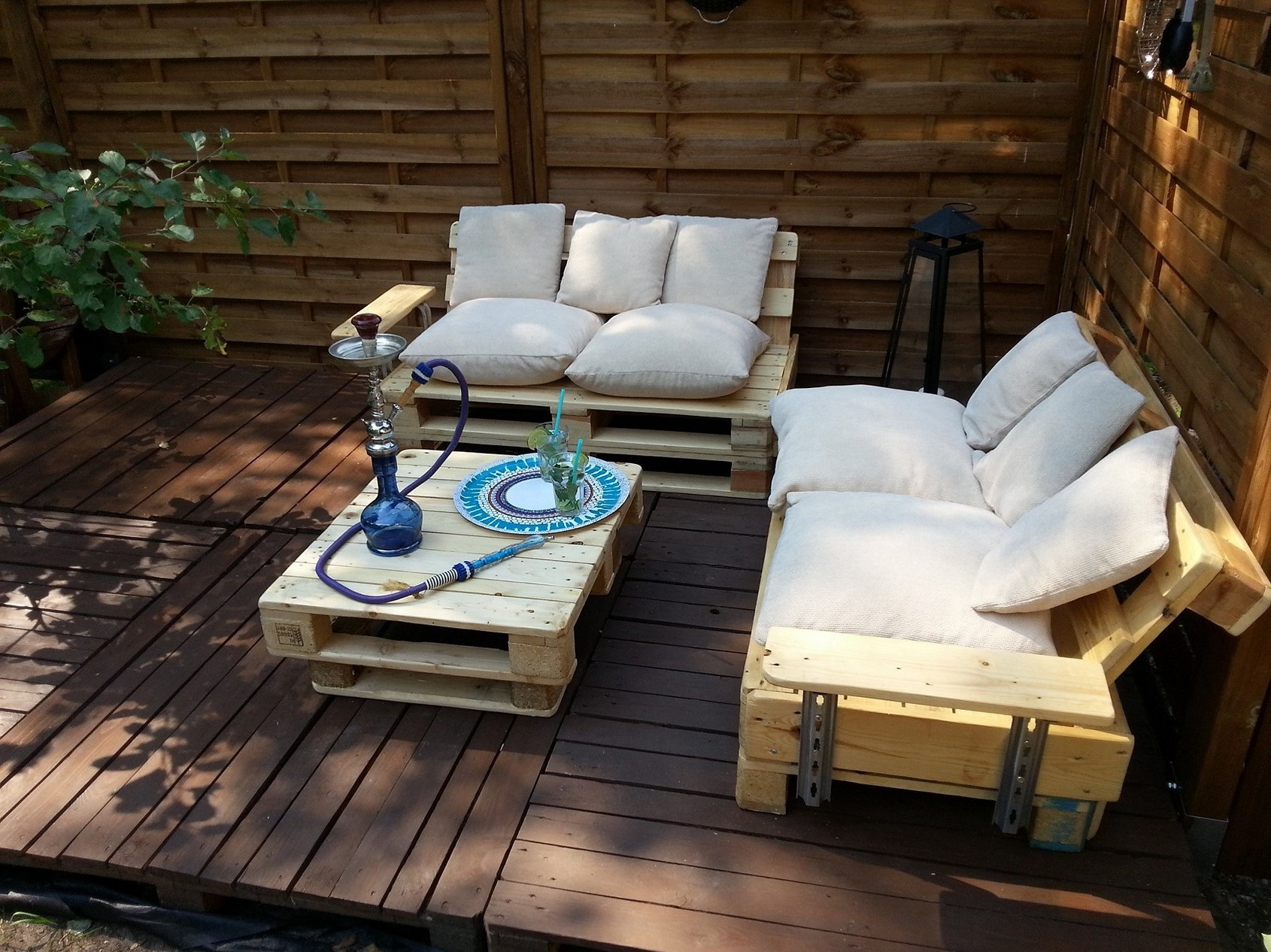 Vous pouvez même créer un ensemble de mobilier de jardin.