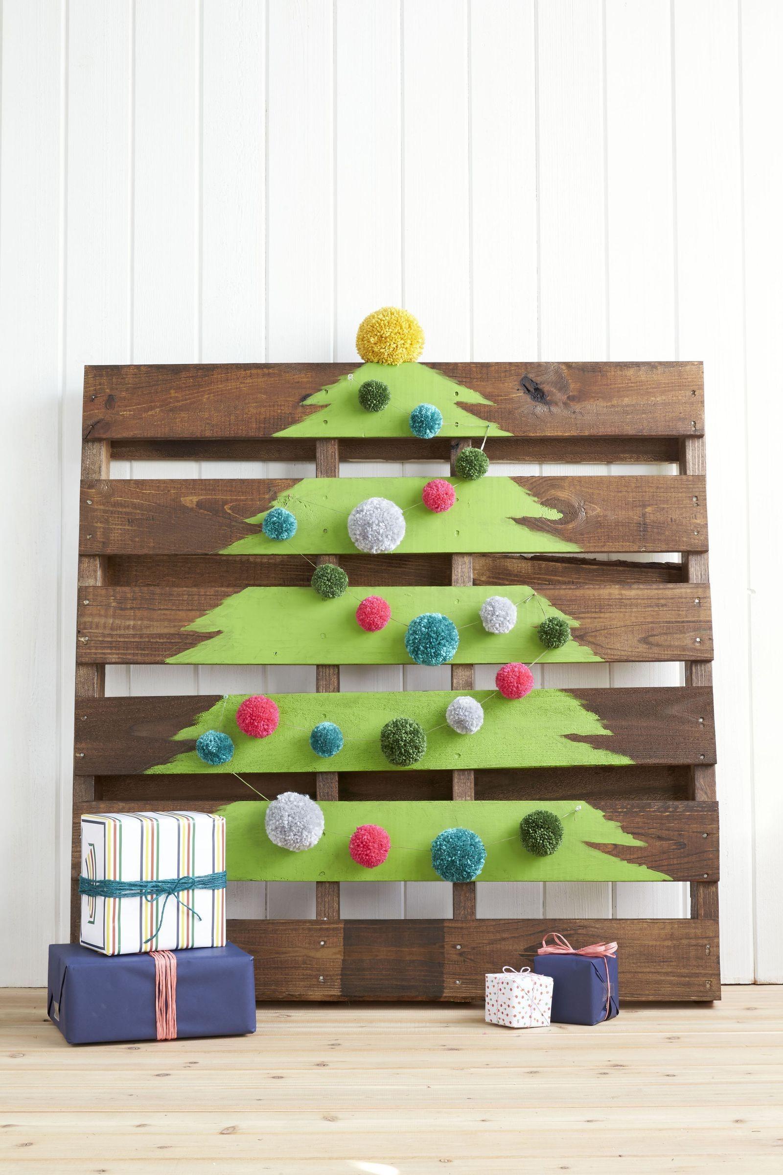 Activité manuelle de Noël: Sapin de Noël en palette de bois