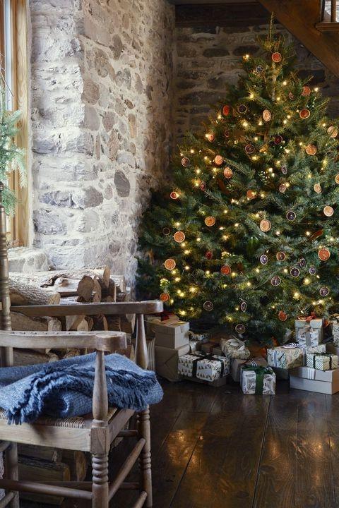Activité manuelle de Noël: Guirlande d'agrumes bricolage.