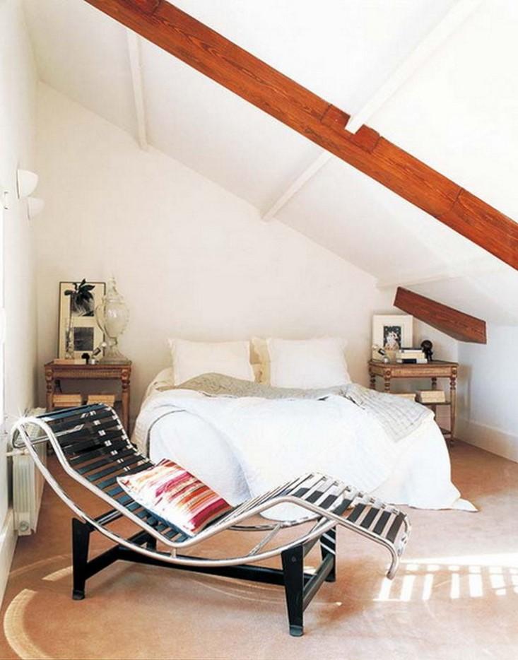 Si vous avez de la place, pourquoi ne pas vous offrir une chambre de style hôtel avec un coin salon somptueux?