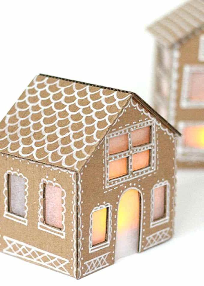 Vous pouvez également utiliser la boîte en carton de Noël pour décorer votre maison.