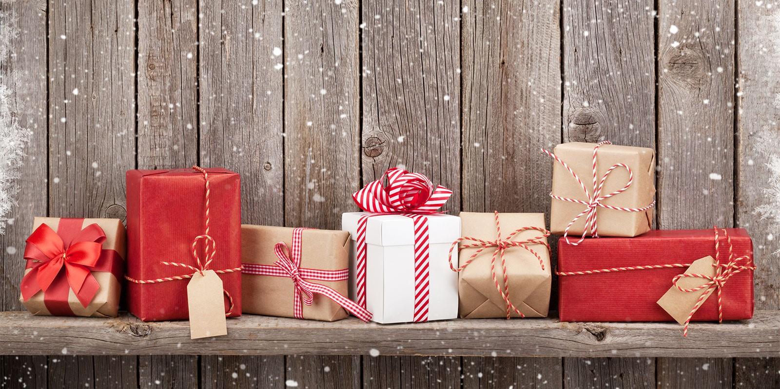 Emballage cadeau de Noël classique.