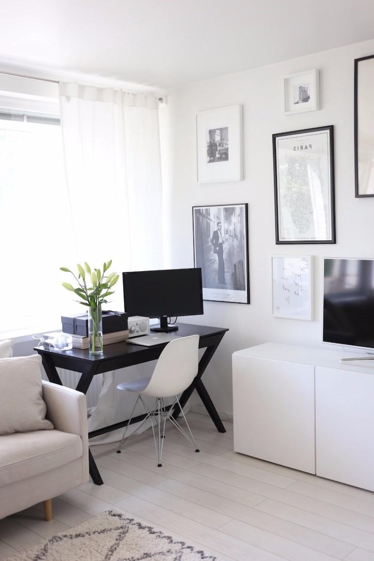 Voici un arrangement simple qui se fondra parfaitement dans votre salon tout en prenant peu de place.