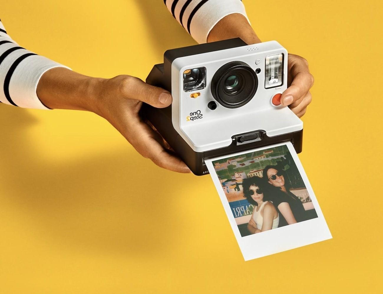 Cadeau de Noël pour fille: appareil photo instantané.