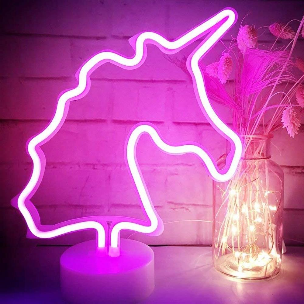 Cadeau de Noël pour fille: décoration de licorne néon avec ampoules brillantes.