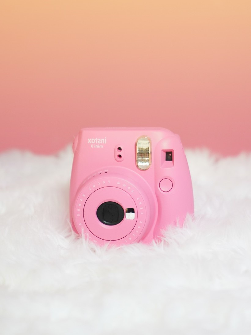 Cadeau de Noël pour fille: appareil photo instantané Instax Mini 9.