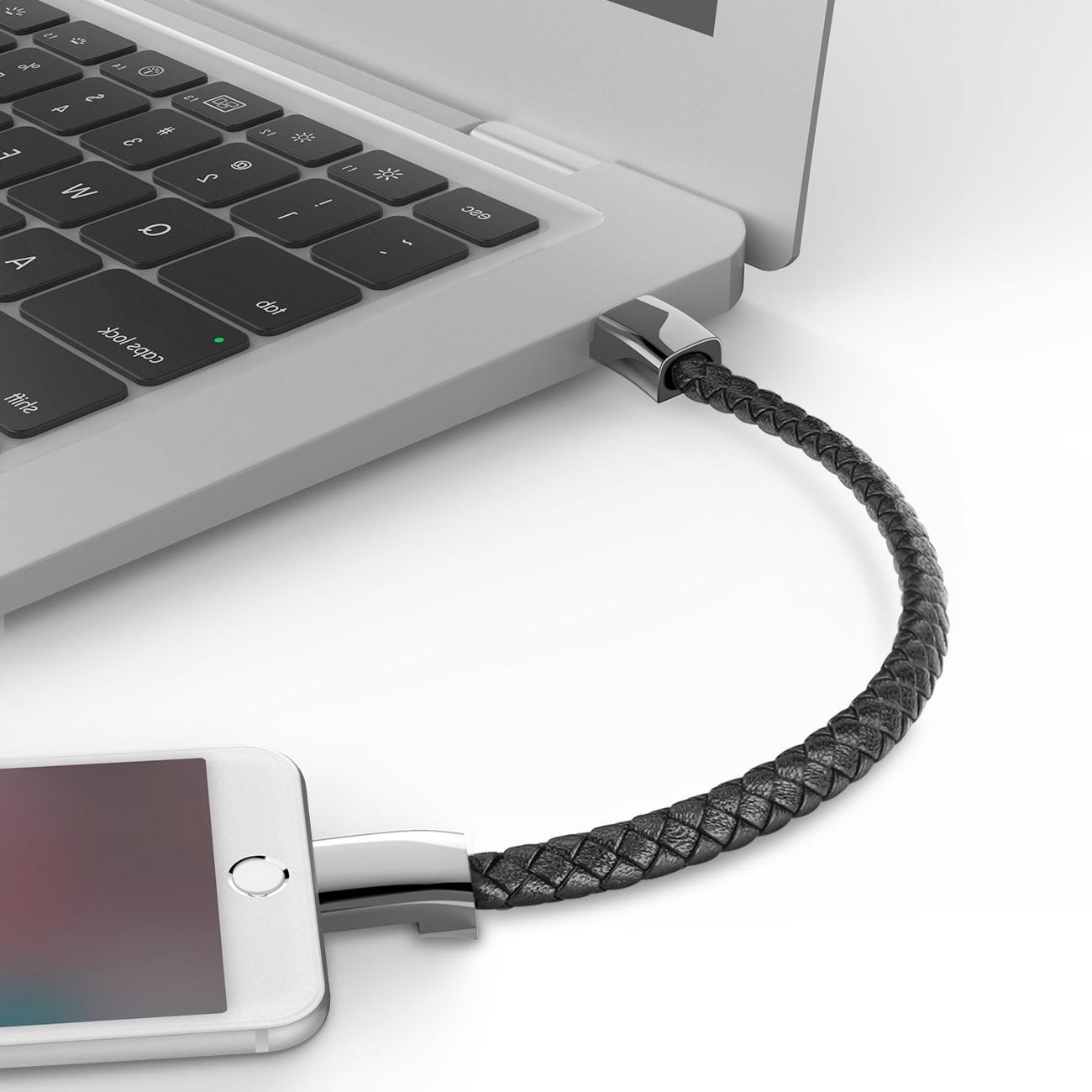Bracelet 2 en 1 avec chargeur de téléphone.
