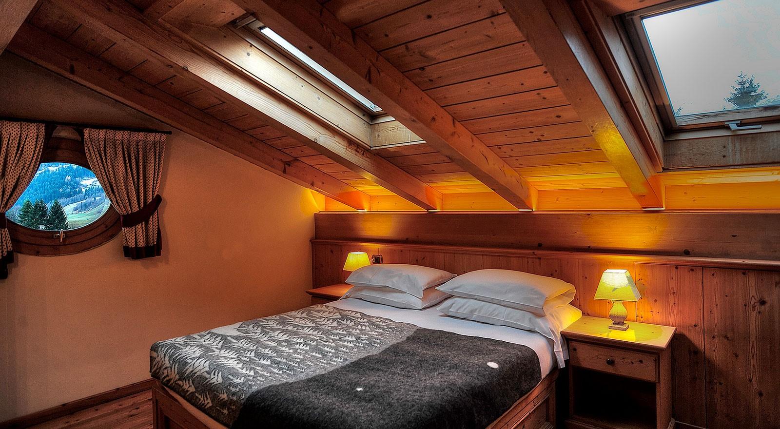 Chambre sous combles: vous pouvez générer un bénéfice si vous le louez sur Airbnb.