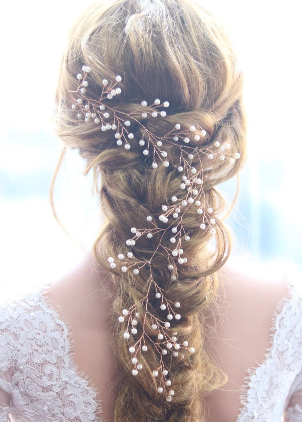 Coiffures de mariage pour cheveux longs pour votre journée spéciale.